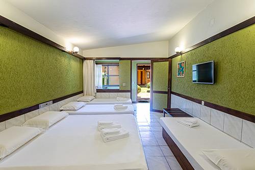 Hotel-Estância-Barra-Bonita----Chalé-série-Hibiscos-7711-CORTE